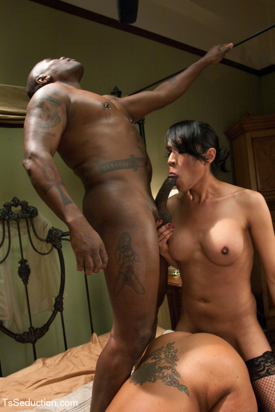 wifes with hot bodys naked